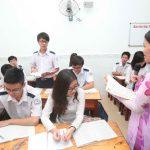 Học sinh lớp 12 Trường THPT Bùi Thị Xuân (TP.HCM) trong giờ ôn tập môn ngữ văn - Ảnh: Đào Ngọc Thạch